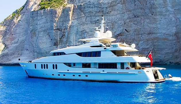 luxury yacht charter holidays